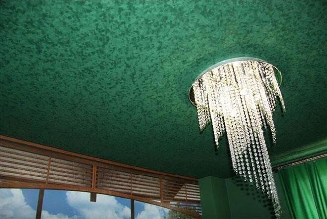 Зеленый фактурный тканевый натяжной потолок