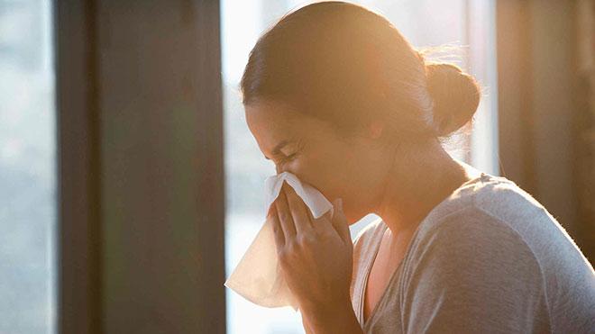 Аллергия от натяжного потолка