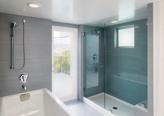 Матовый в ванной