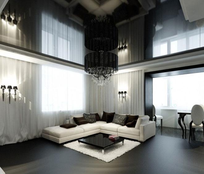 Черный глянцевый потолок и люстра